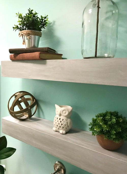 Easy to build, professional looking DIY floating shelves!