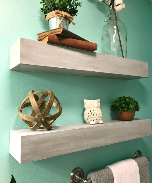 How to make seamless DIY floating shelves! Great for a bathroom!