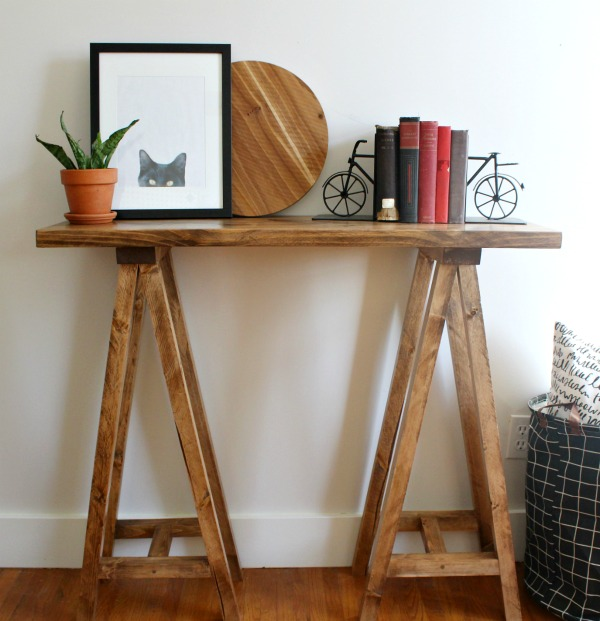 How to build a simple DIY sawhorse console table