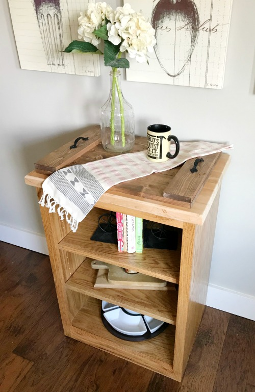 How to Build a Simple DIY Bookshelf--small storage solution idea for bathroom, kitchen, or office for book or towel storage or display