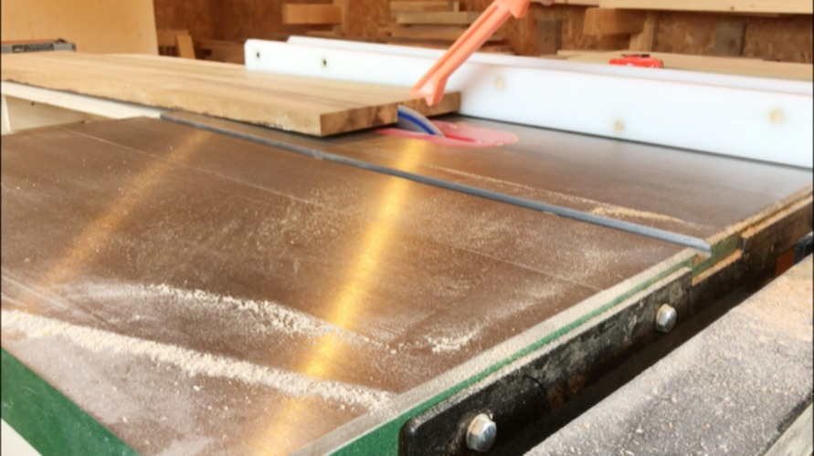 Rip boards to size on table saw for DIY keepsake box