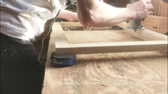 Routing groove for picture frame glass