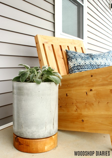 How to Make a DIY Concrete Planter for Your Front Porch!
