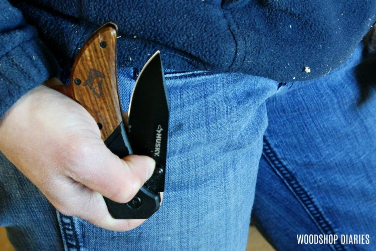 Husky sport knife as gift idea under $15