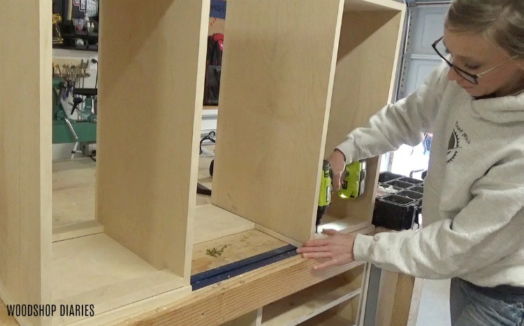 Attaching cabinets to top of mobile lathe stand