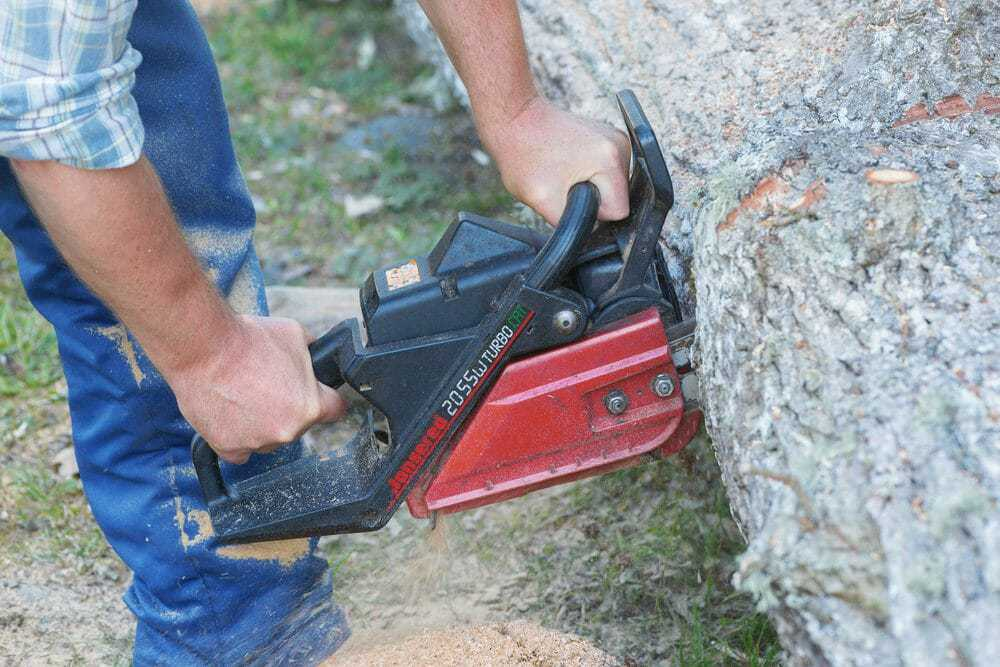 Who Makes Jonsered Chainsaws