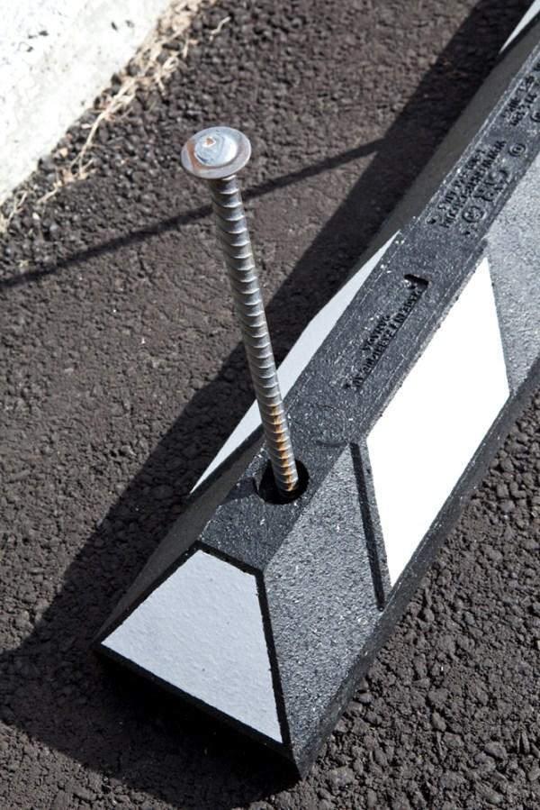 rubber parking curbs - woodstream