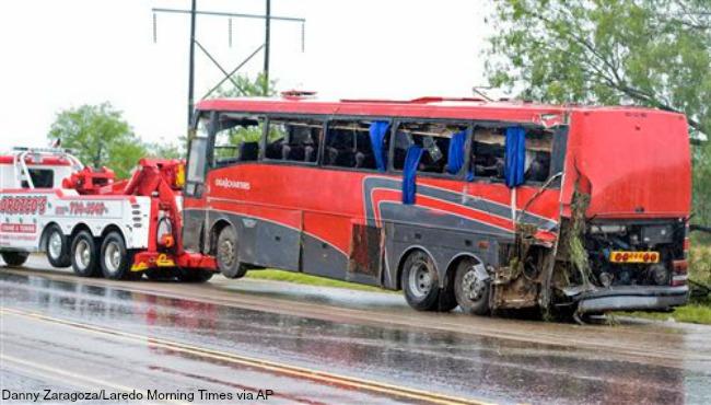 texas bus crash 051516_214369