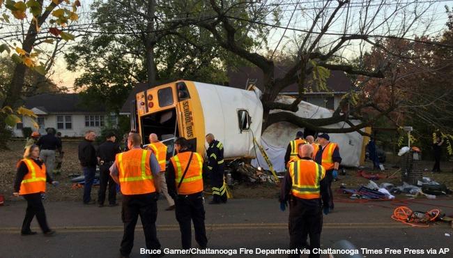 chattanooga-school-bus-crash-112116-ap_262910