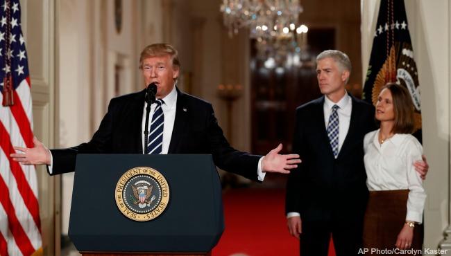 president-donald-trump-judge-neil-gorsuch-013117-ap_279303