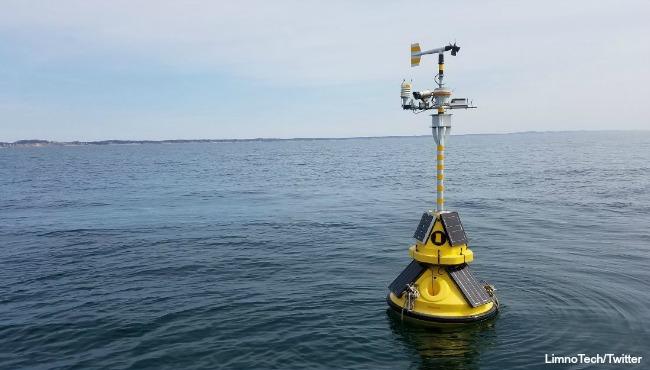 port sheldon buoy in lake michigan 041217_320547