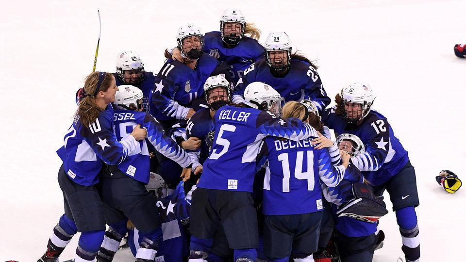 womens_hockey_484513