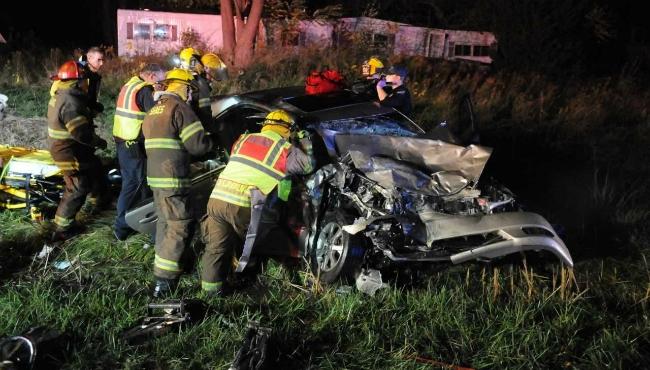 3 hospitalized after head-on crash in Van Buren Co