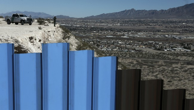 US border fence AP 122618_1545826709570.jpg.jpg