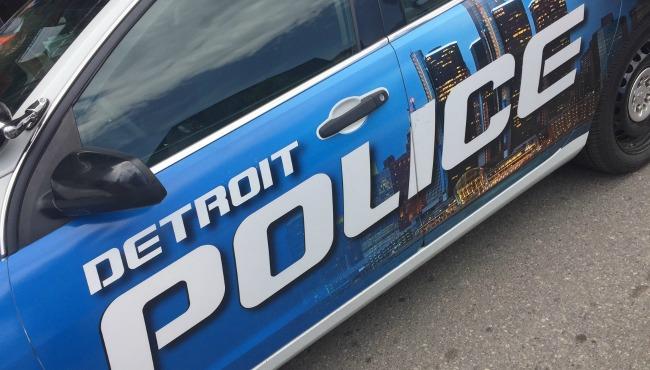2 dead after car crashes into Detroit bus