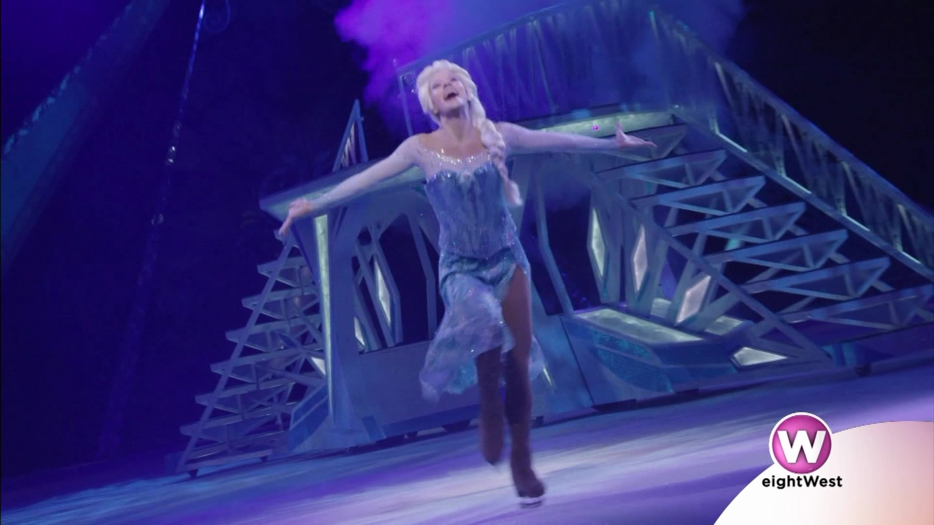 Anna__Elsa_and_Olaf_coming_to_Van_Andel__8_20190227205747