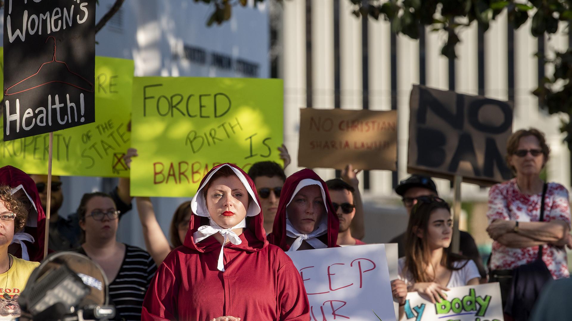 Alabama abortion law 051419 AP_1557885452173