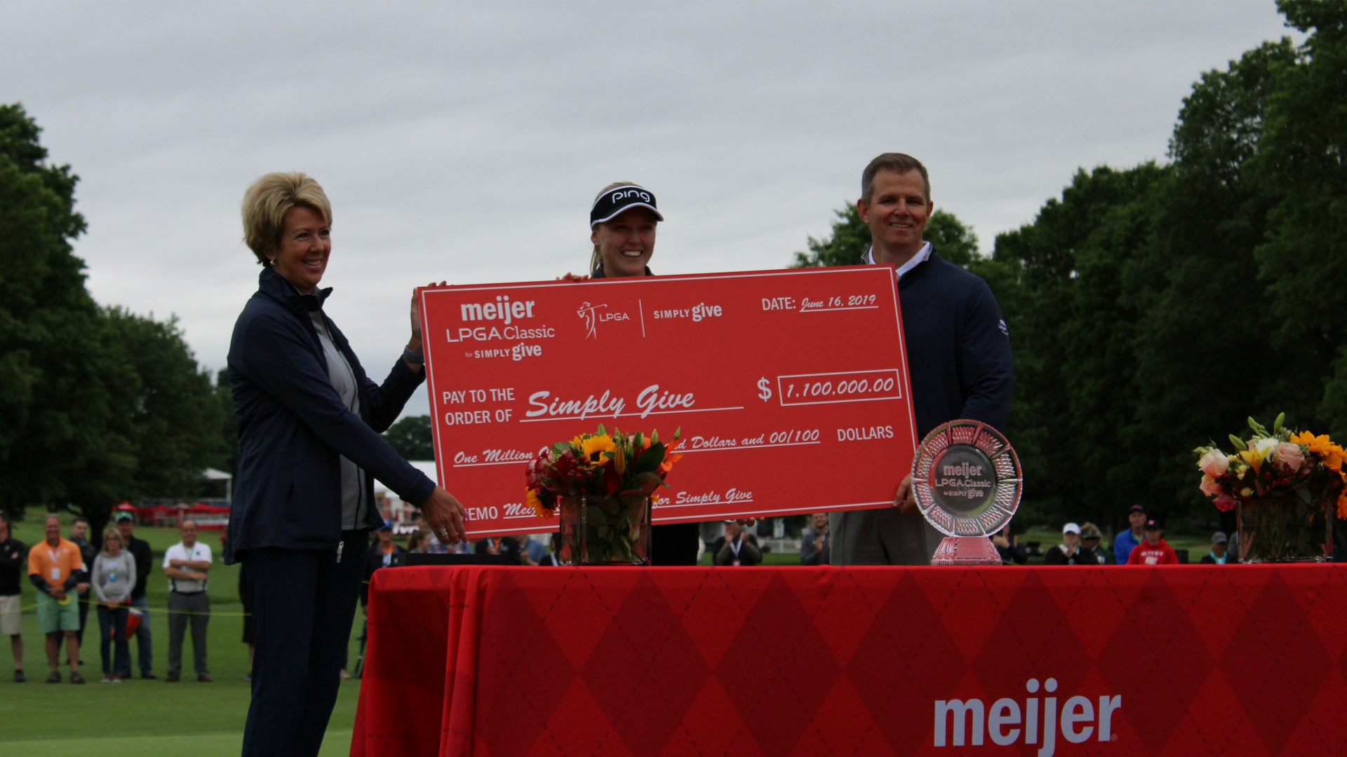 Meijer LPGA Classic Simply Give donation