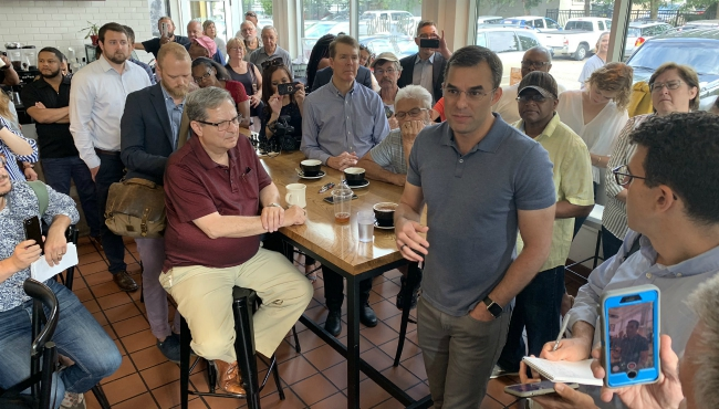 A photo of Congressman Justin Amash meeting with residents in Grand Rapids. (Aug. 21, 2019)