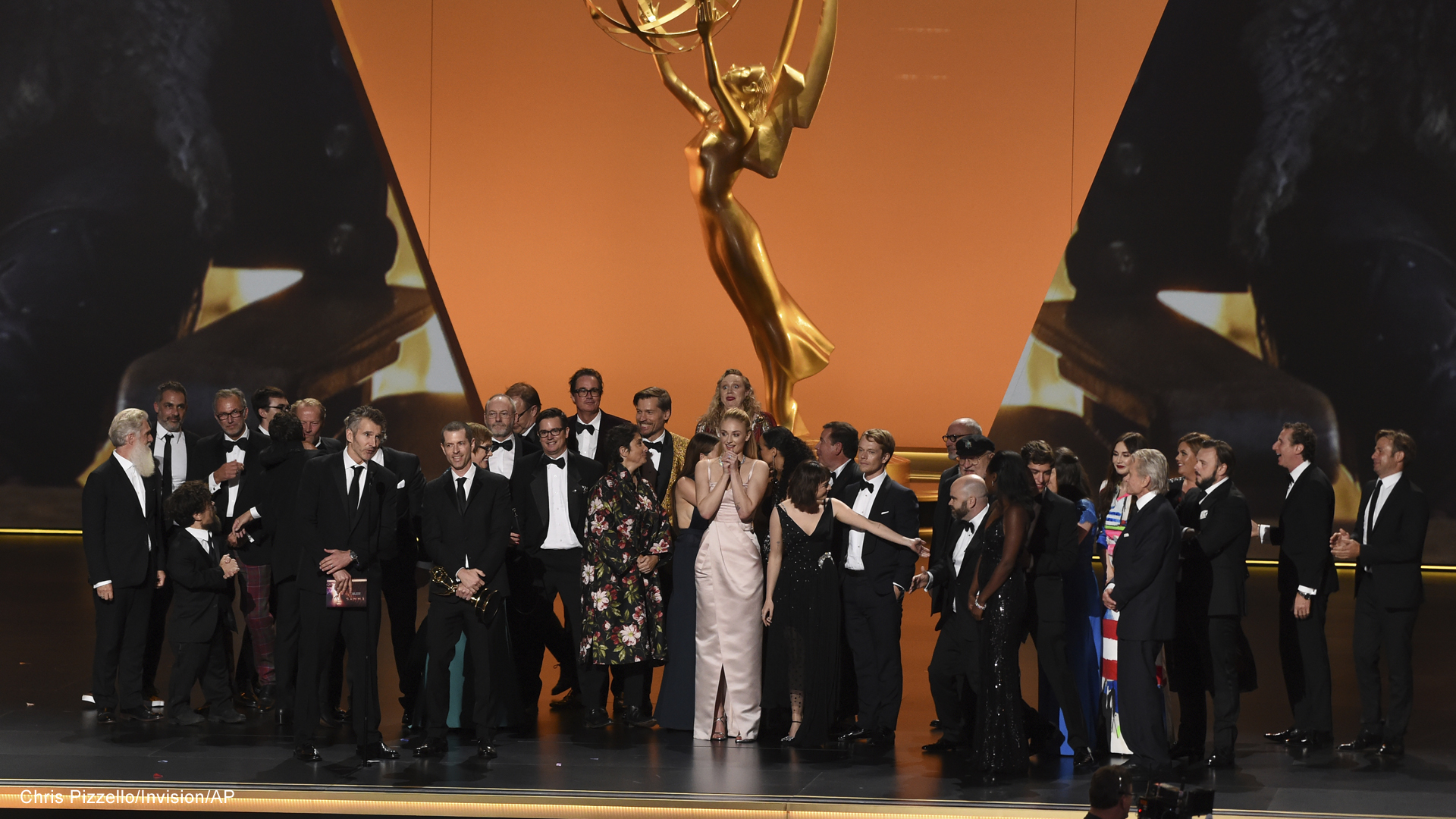 emmy awards game of thrones cast and crew