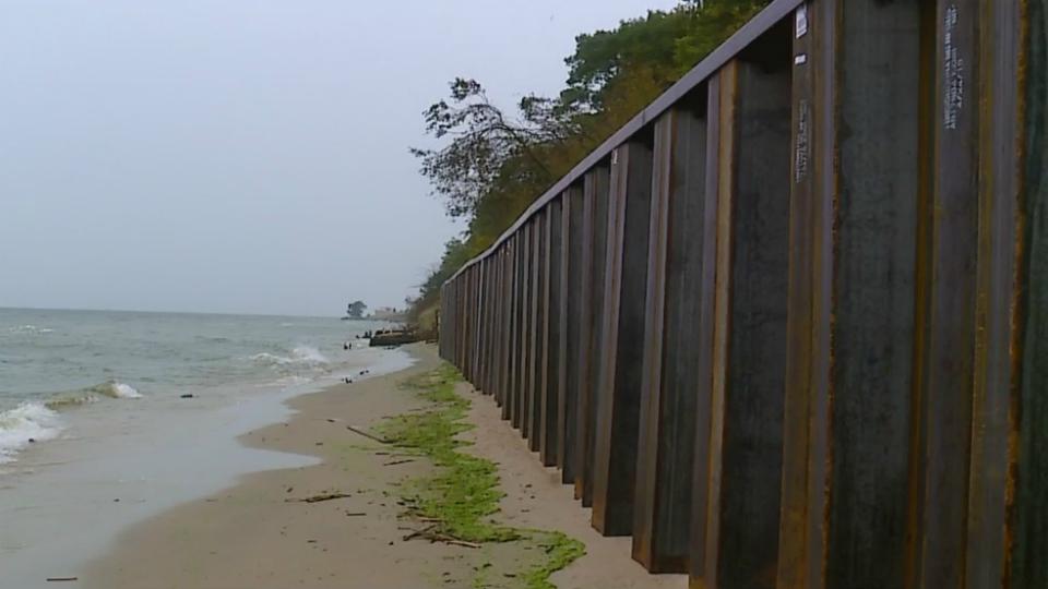 norton shores sea wall