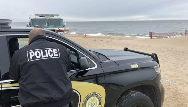 Crews search for Ramal Roby's body in Lake Michigan. (Feb. 26, 2020)