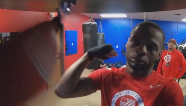 A photo shows Joe Hicks in the ring, preparing to train.