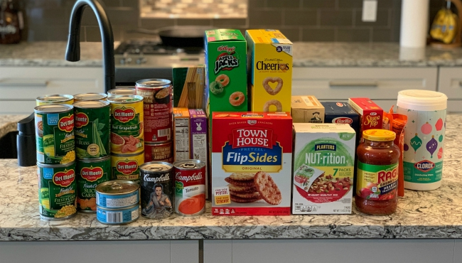 Ottawa County volunteers are coming together to collect nonperishable items during the outbreak. (April 8, 2020)