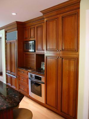 Frameless Cabinets With Traditional Look