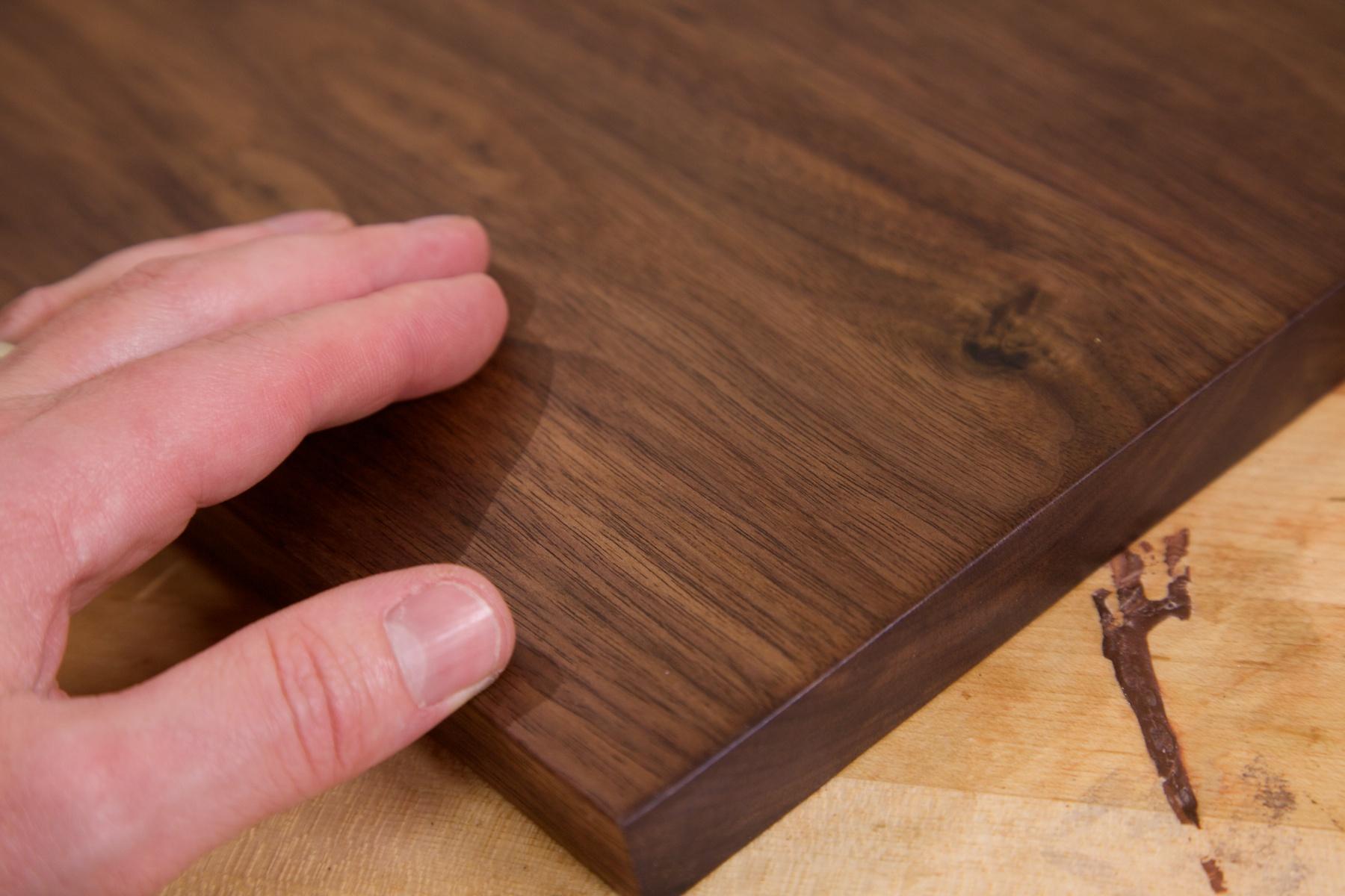 Does Tung Oil Darken Wood