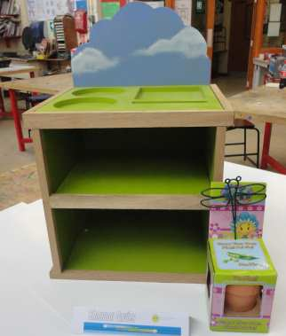 Childs gardening unit