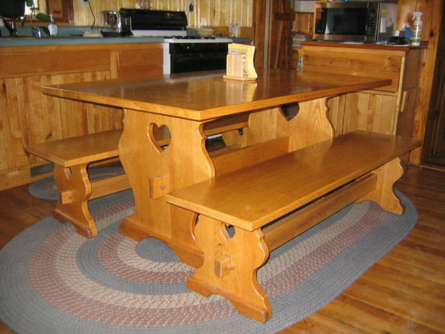 Free woodworking plans kitchen table woodworker magazine - Kitchen table woodworking plans ...