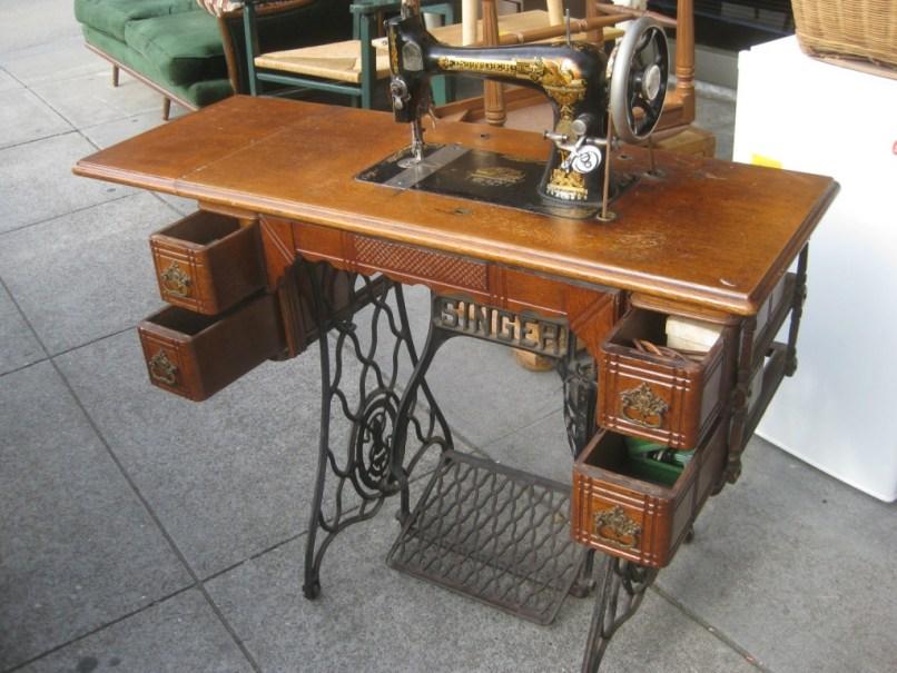 Value Of Antique Singer Sewing Machine In Cabinet Nagpurepreneurs - Old Singer Sewing Machine Cabinet Value Www.resnooze.com