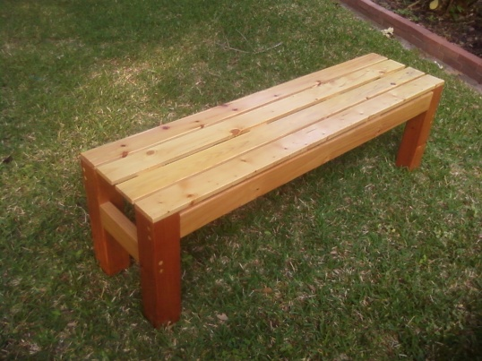 couple of years ago, I made this wooden bench for my wife to put in