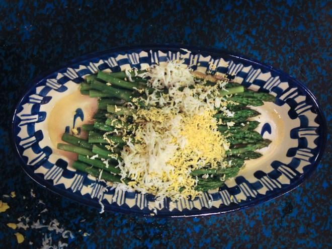 Asparagus with beurre noir