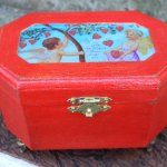 Vintage Valentine jewelry box