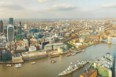 www.woodywordpacker.com The High flying helicopter London from above