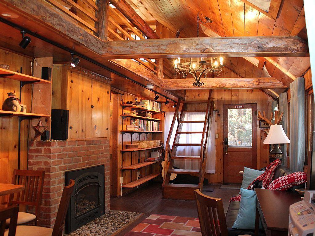 Cozy Woodland Cabin  Woodz