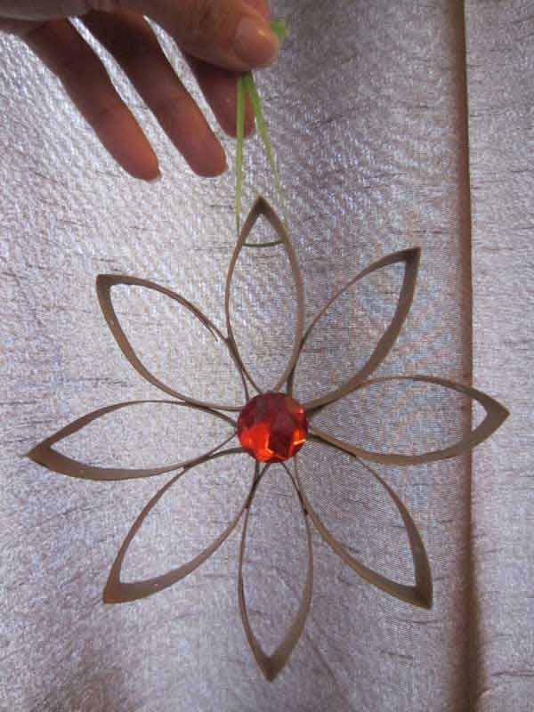 If you've ever visited arts & crafts events, there is no way you've failed to witness the beauty in the craft. Arts And Crafts Easy To Make Diy And Crafts