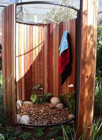 30 Cool Outdoor Showers to Spice Up Your Backyard ...