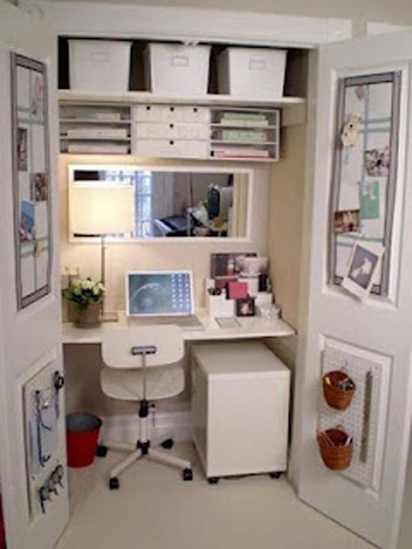 Luxurious Small Office E For