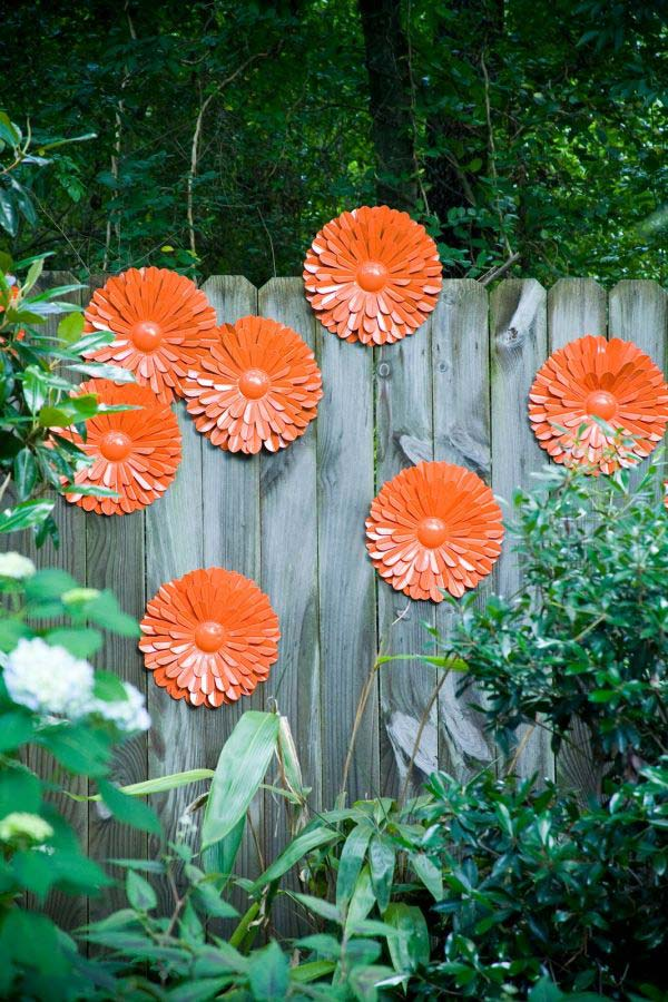 Truly Easy And Low Budget DIY Garden Art Flowers