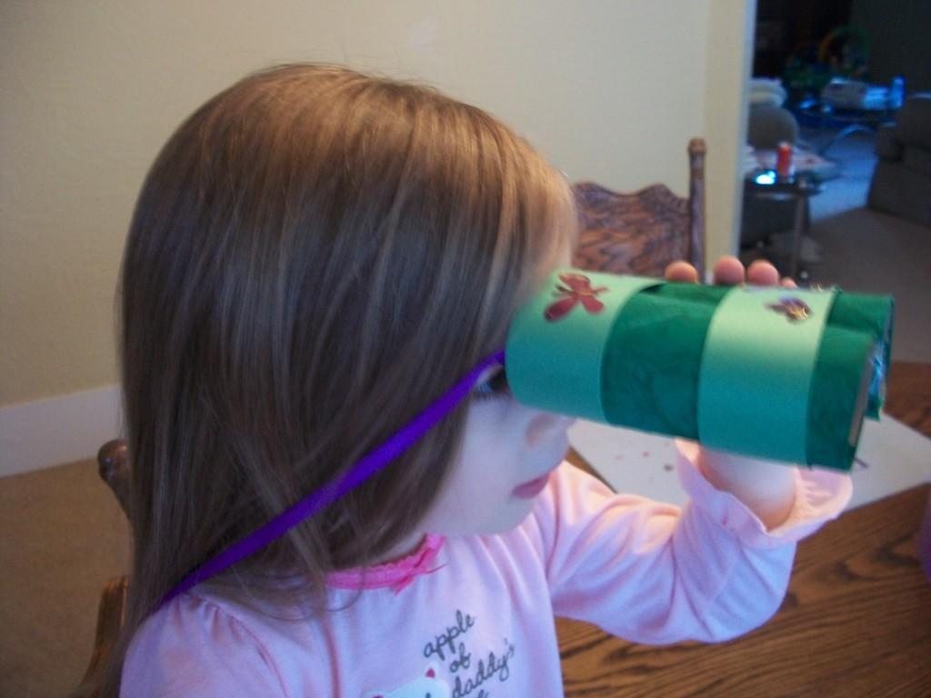 Make Play Binoculars With This Kids Craft