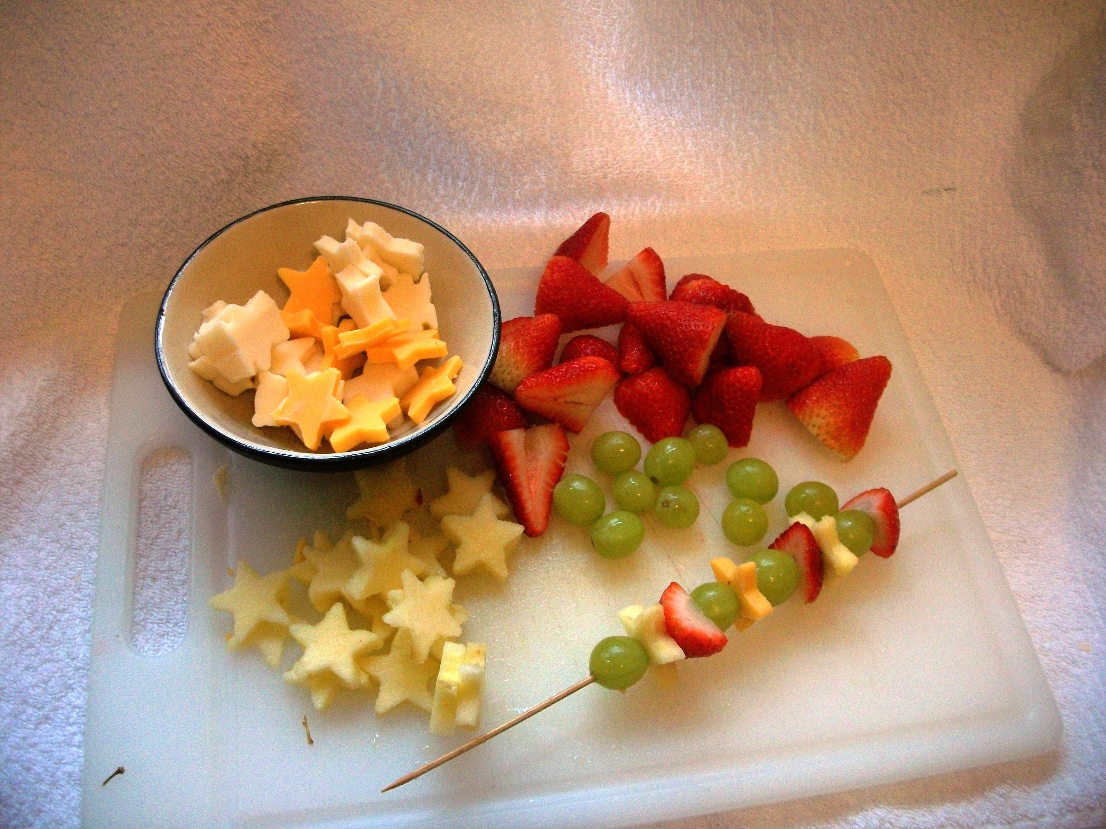 Healthy Kid Snack Fruit And Cheese Kebabs