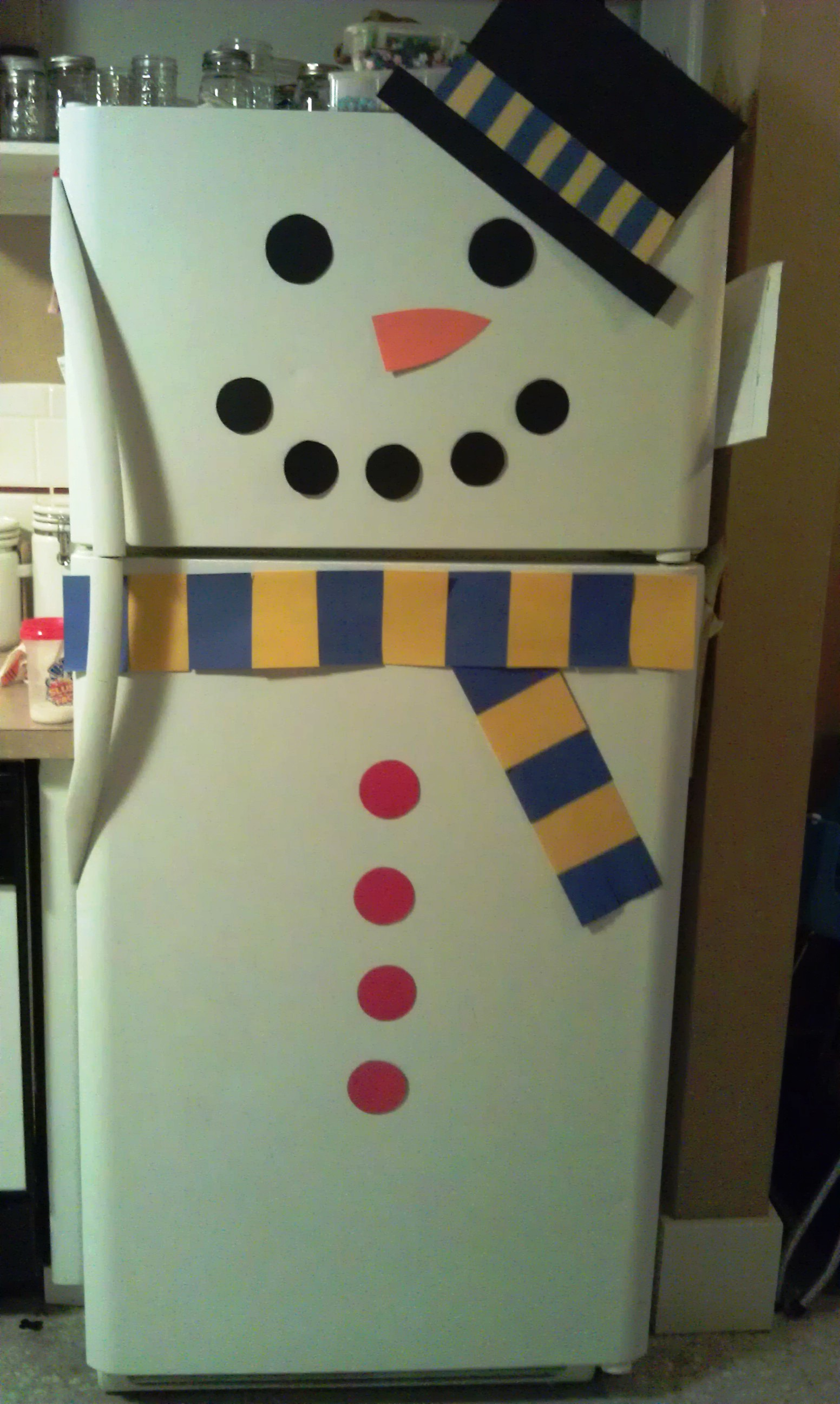 Decorate Refrigerator As A Snowman