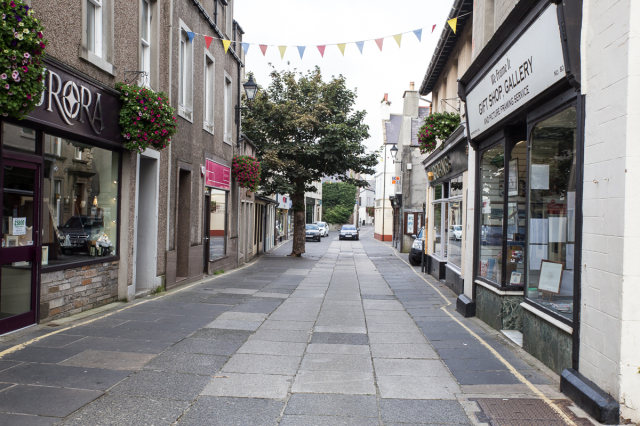Kirkwall's main shopping street on a Sunday afternnon