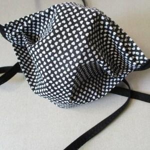 Gesichtsmaske Weiße_Herzen Baumwolle schwarz-weiß