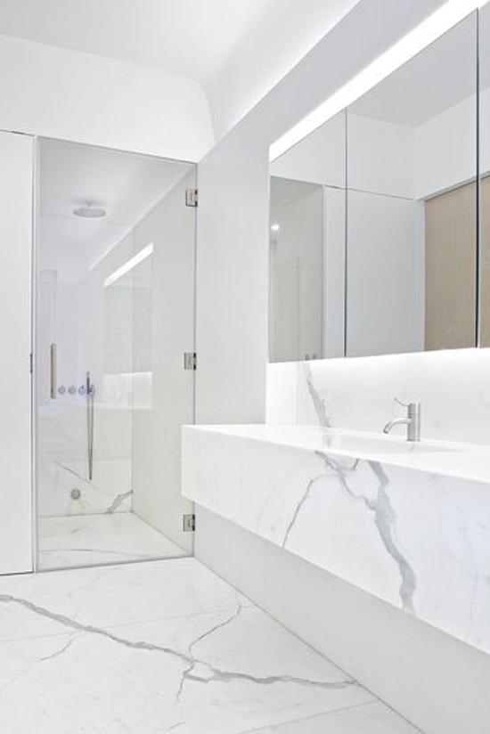 Badkamer met marmeren invloeden  Wooninspiratie