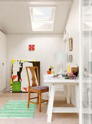 lichte werkplek met VELUX platdak venster
