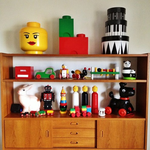 een tentoonstelling van speelgoed via pinst.me